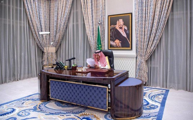 """Custodian of the Two Holy Mosques King Salman bin Abdulaziz: Saudi Arabia's presidency of the """"twenty"""" affirms its leadership, position and strength of its economy %D8%AE%D8%A7%D8%AF%D9%85-%D8%A7%D9%84%D8%AD%D8%B1%D9%85%D9%8A%D9%86-%D8%A7%D9%84%D8%B4%D8%B1%D9%8A%D9%81%D9%8A%D9%86-%D8%A7%D9%84%D9%85%D9%84%D9%83-%D8%B3%D9%84%D9%85%D8%A7%D9%86-%D8%A8%D9%86-%D8%B9%D8%A8%D8%AF%D8%A7%D9%84%D8%B9%D8%B2%D9%8A%D8%B2-%D8%B1%D8%A6%D8%A7%D8%B3%D8%A9-%D8%A7%D9%84%D8%B3%D8%B9%D9%88%D8%AF%D9%8A%D8%A9-%D9%84%D9%80-%C2%AB%D8%A7%D9%84%D8%B9%D8%B4%D8%B1%D9%8A%D9%86%C2%BB-%D8%AA%D8%A4%D9%83%D8%AF-%D8%B1%D9%8A%D8%A7%D8%AF%D8%AA%D9%87%D8%A7-%D9%88%D9%85%D9%83%D8%A7%D9%86%D8%AA%D9%87%D8%A7-%D9%88%D9%85%D8%AA%D8%A7%D9%86%D8%A9-%D8%A7%D9%82%D8%AA%D8%B5%D8%A7%D8%AF%D9%87%D8%A7"""